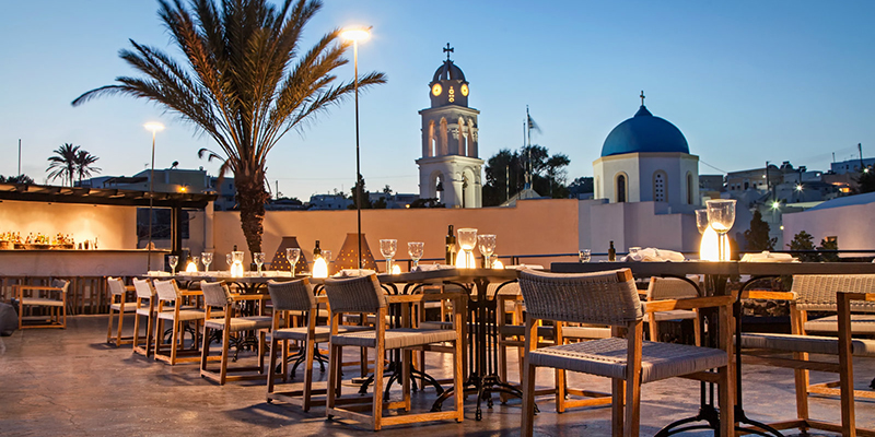 5 restaurants in Santorini that satisfy all the senses